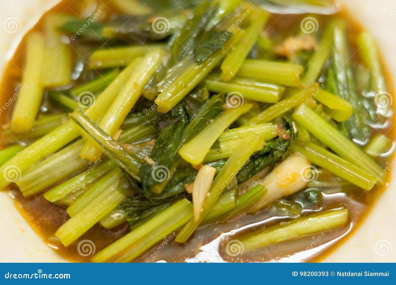 Download Тайская и китайская еда стоковое изображение. изображение насчитывающей тайско - 98200393