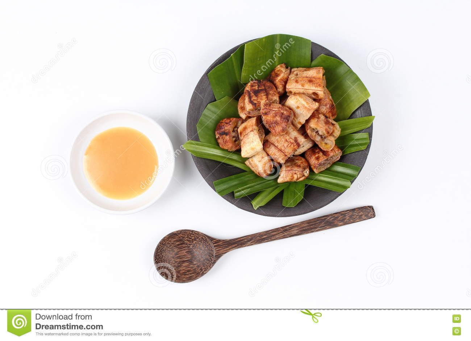 Тайский зажаренный в духовке банан с сладостным соусом