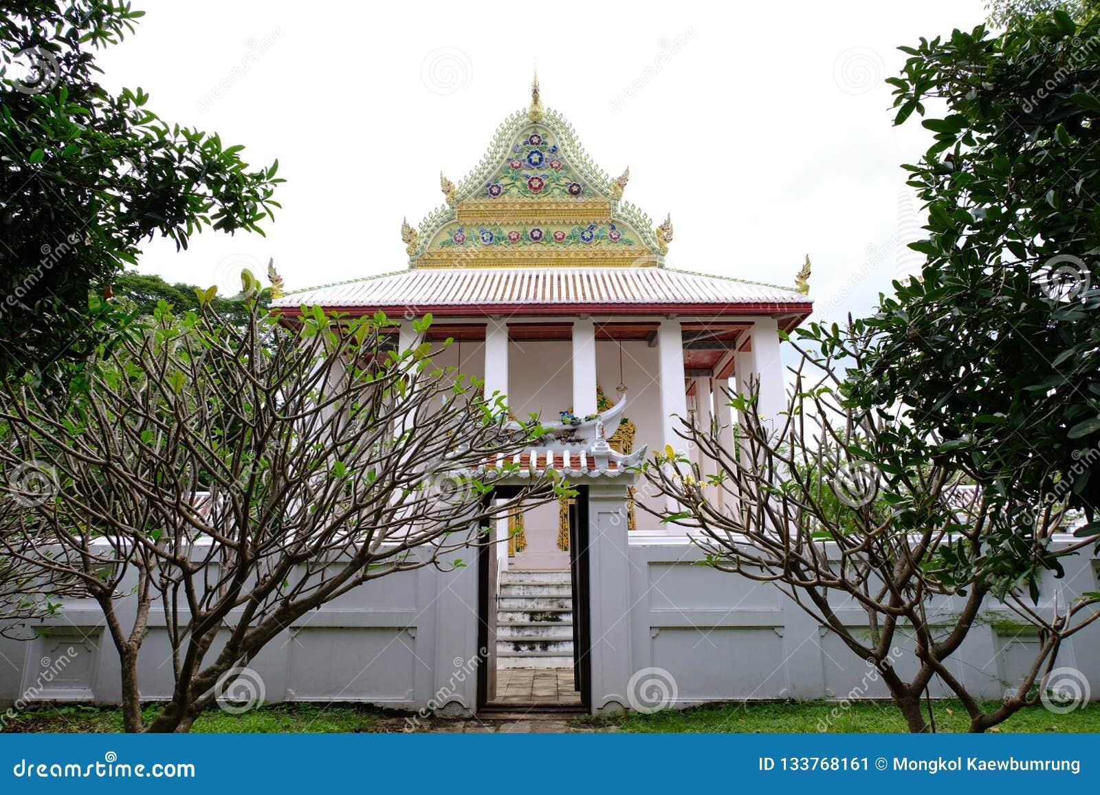 Тайское королевское святилище от Nonthaburi