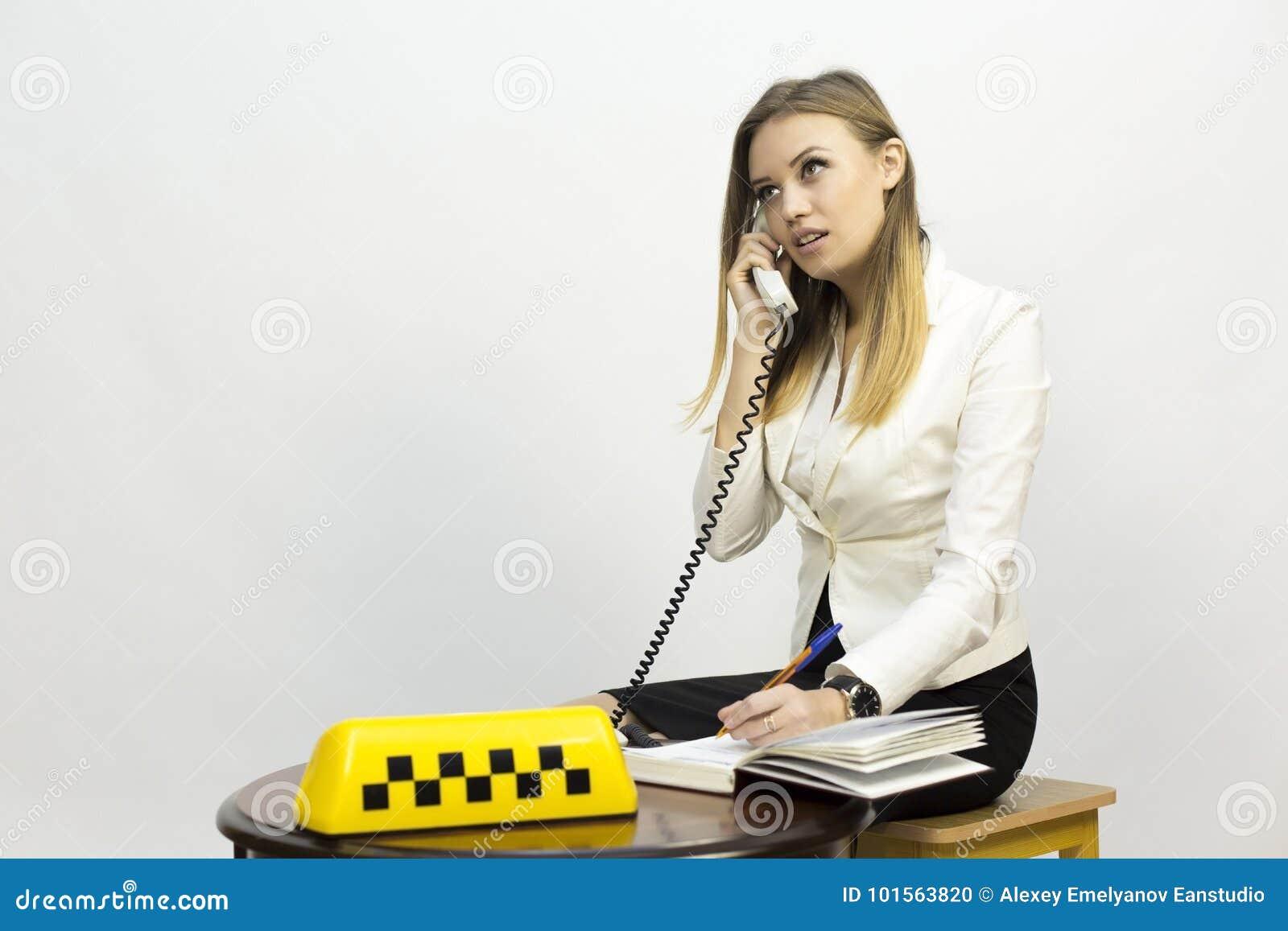 Работа девушке от диспетчера модельные агентства москвы мужчин