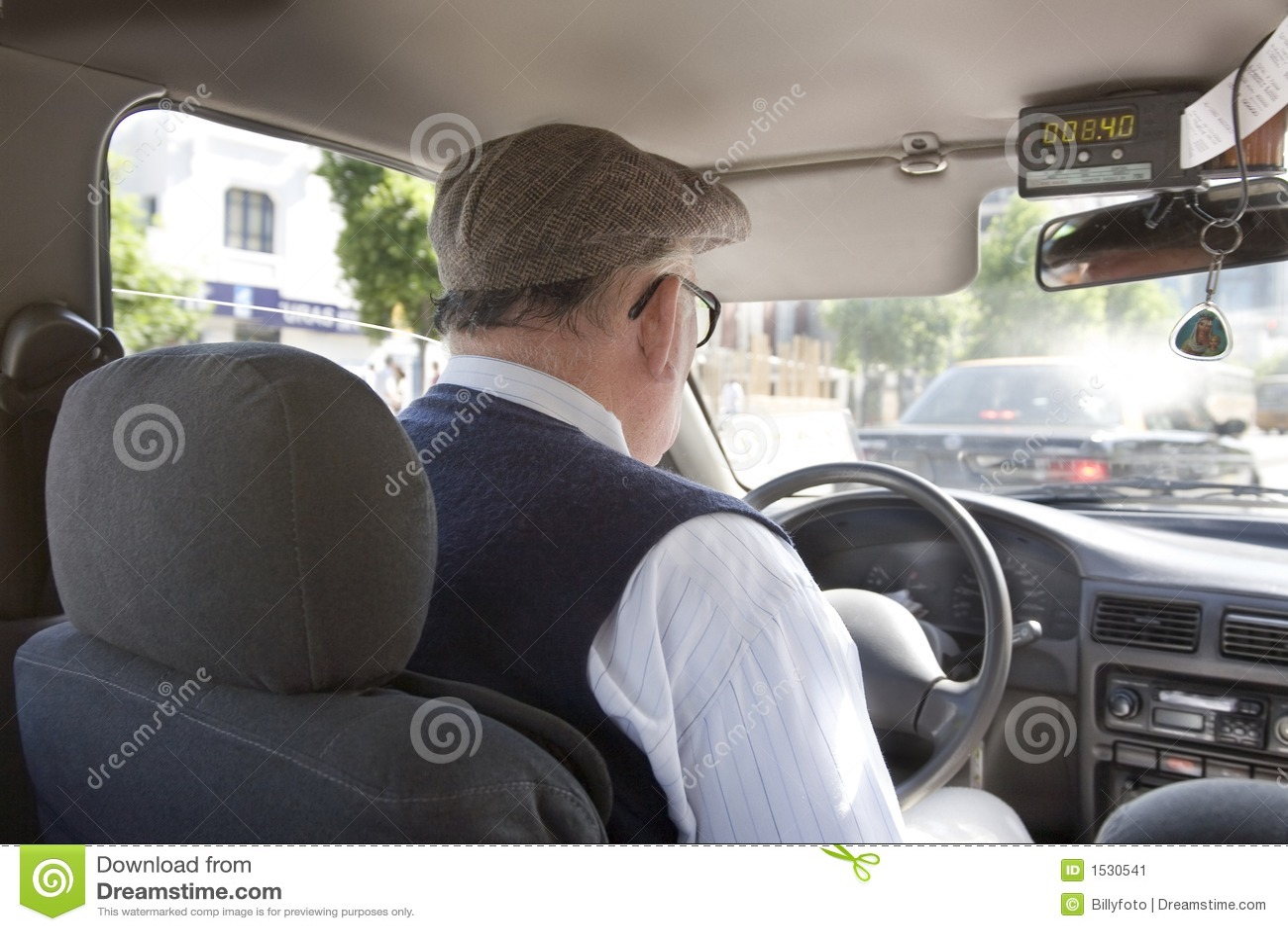таксомотор водителя