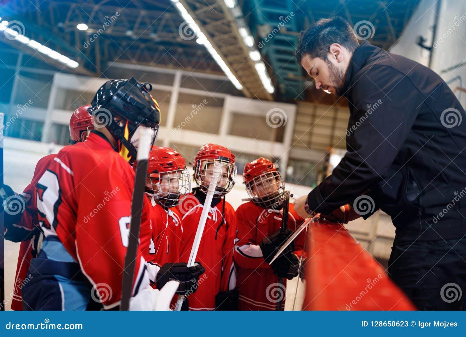 Тактик стратегии игры в хоккее