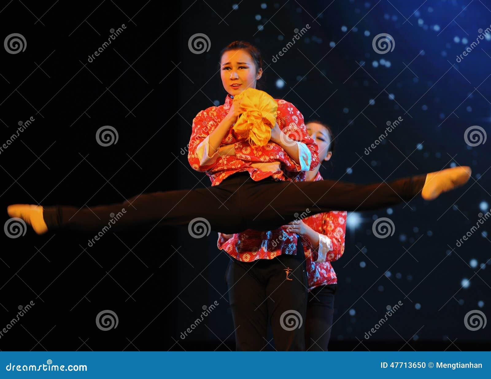 Танец открыт-людей ног