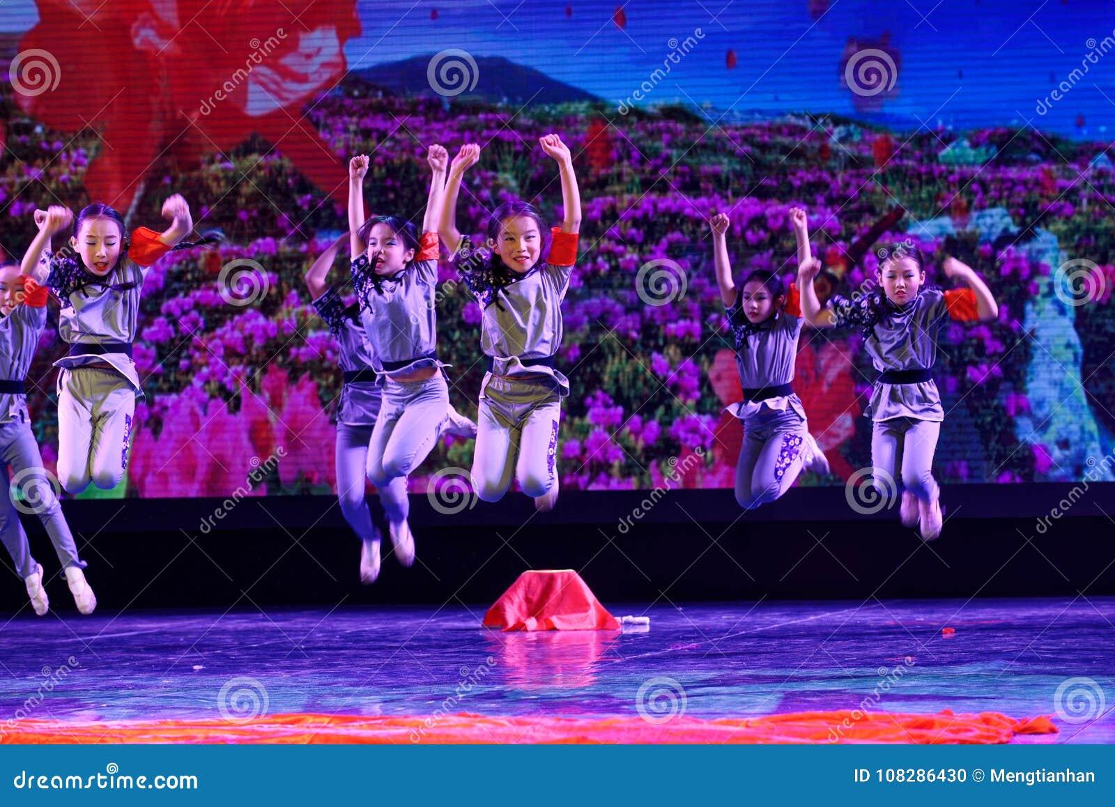 Танца ` s детей испытания академии танца Пекина корпусов ` s детей сортируя выставка Цзянси достижения выдающего уча