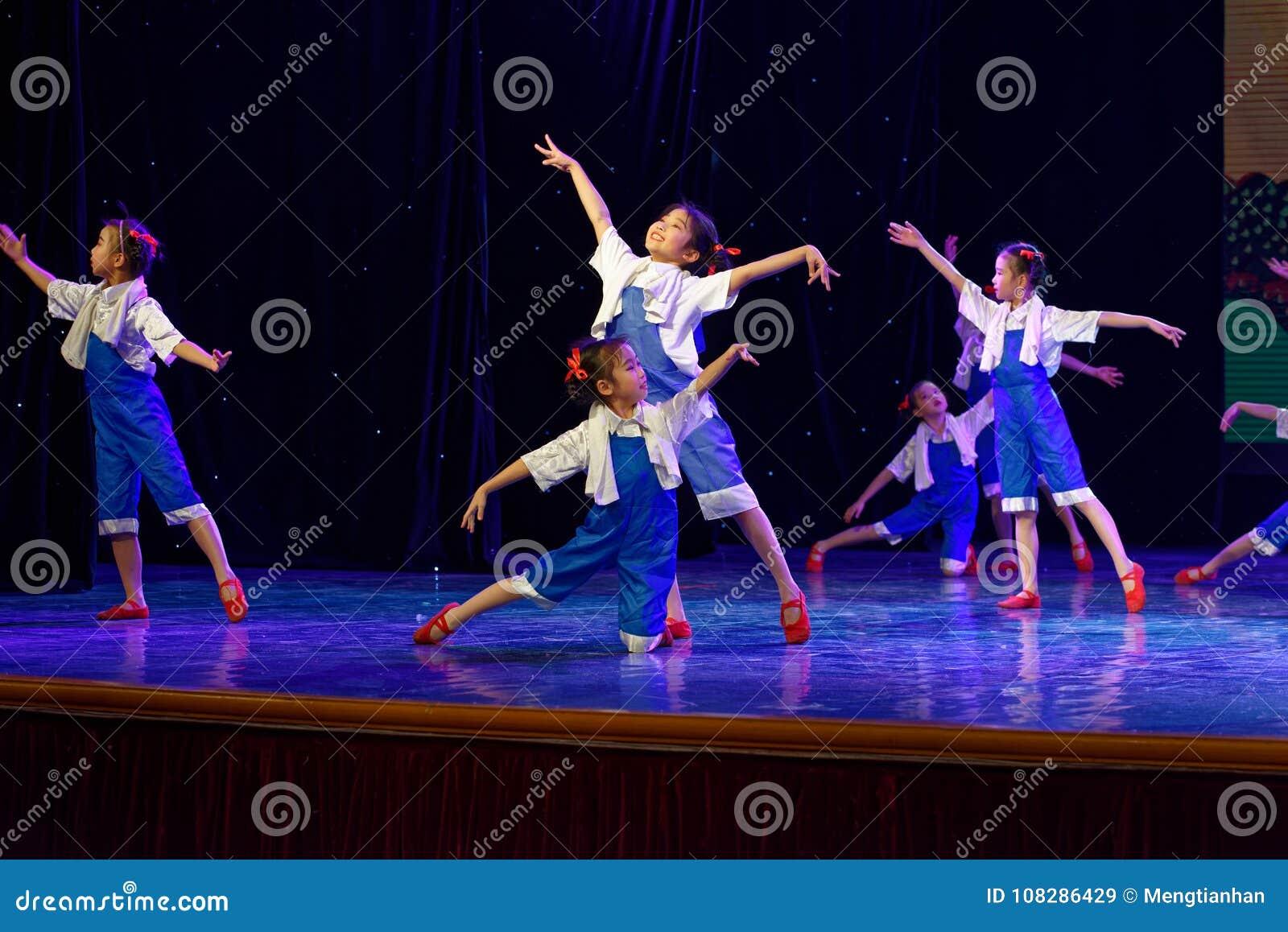 Танца ` s детей испытания трудовой академии танца Пекина славы сортируя выставка Цзянси достижения выдающего уча