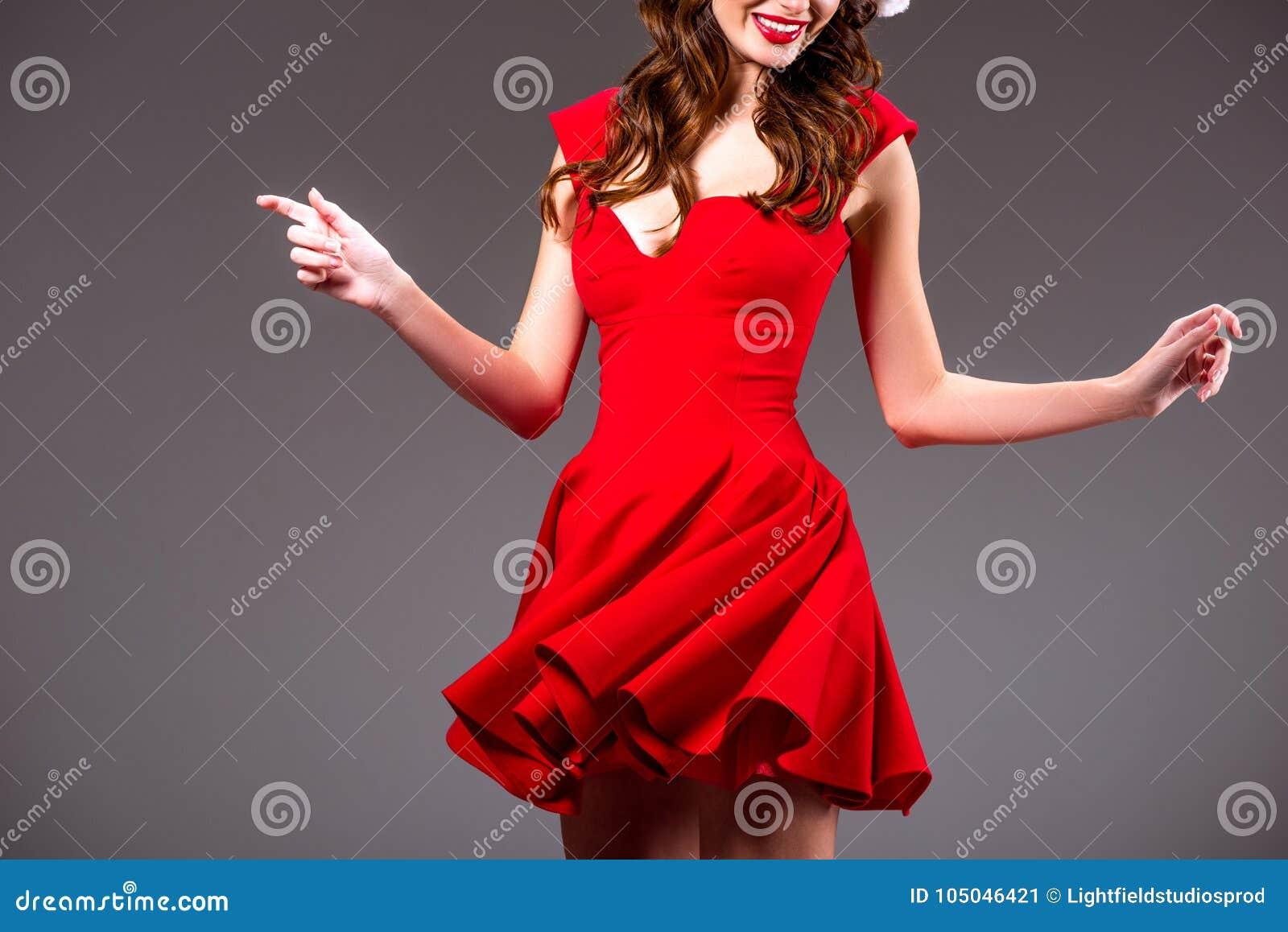 Гифка танцующая девушка в красном платье, надписью девочки