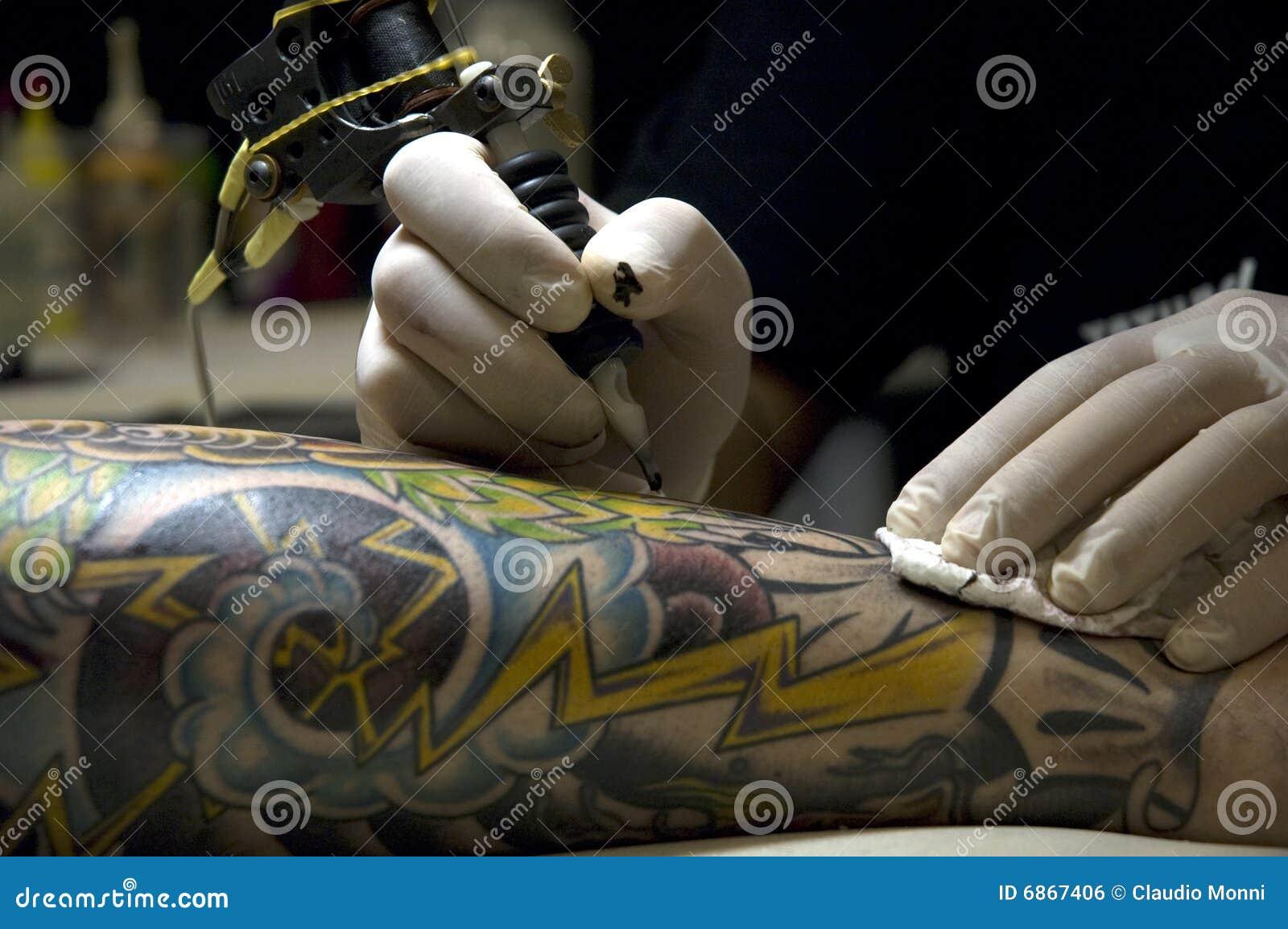 татуировать