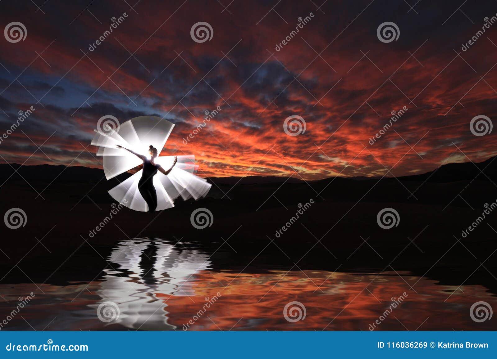 Творческая светлая картина с освещением трубки цвета с ландшафтами