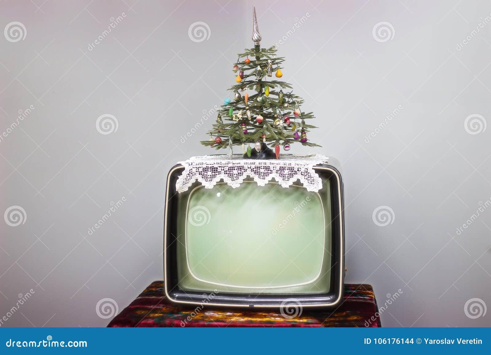 ТВ, рождественская елка