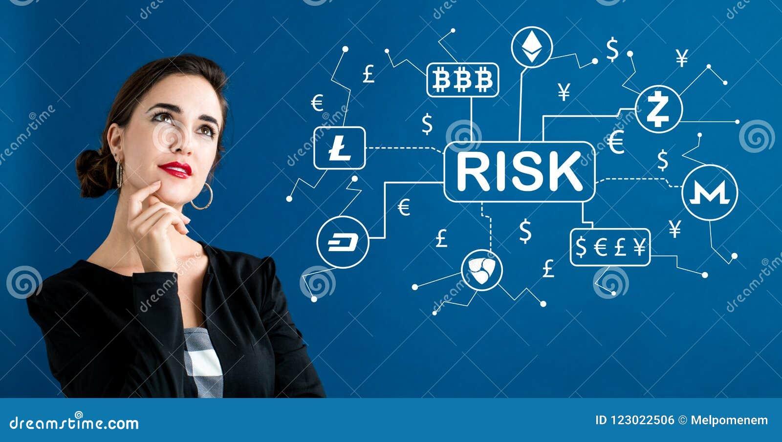Тема риска Cryptocurrency с бизнес-леди