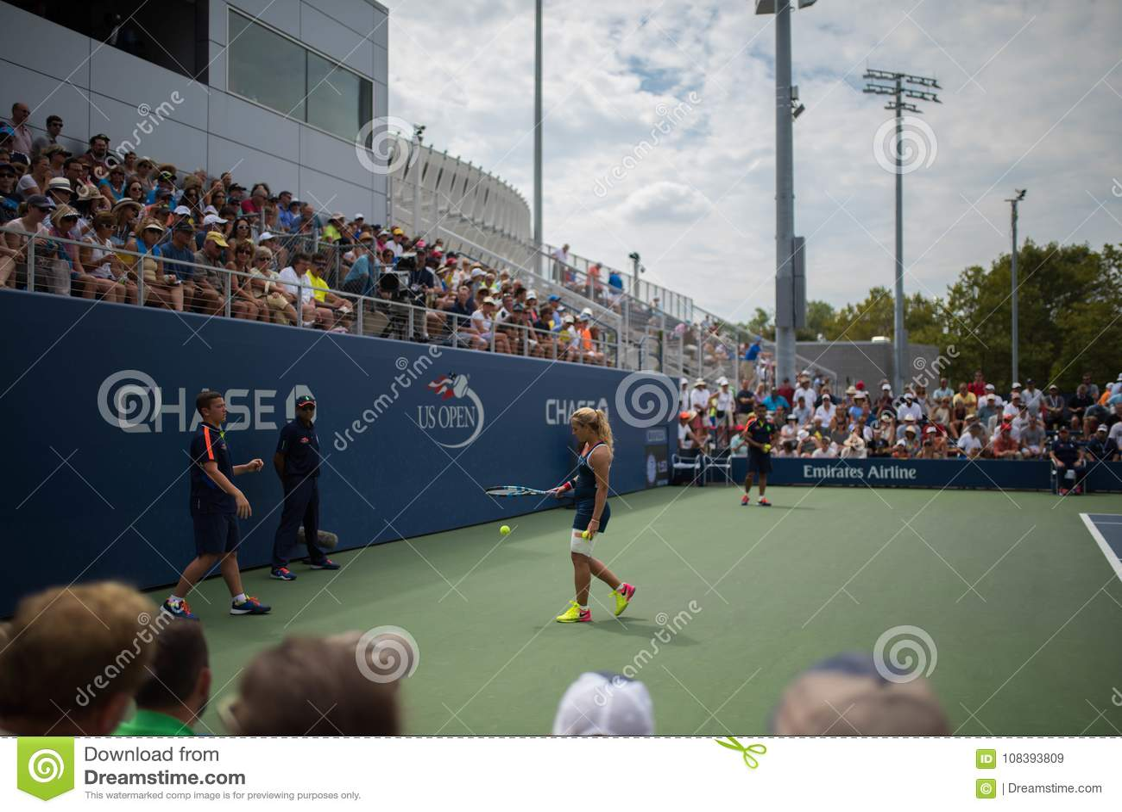 Теннисист между пунктами