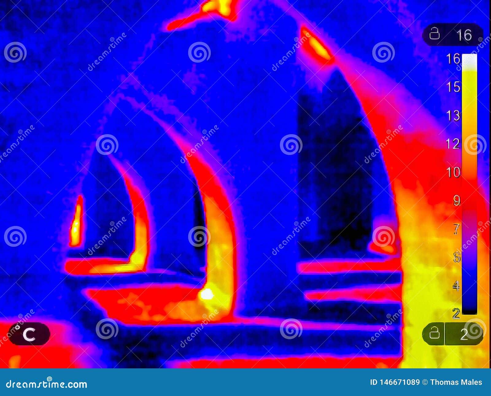 Термальное изображение руин