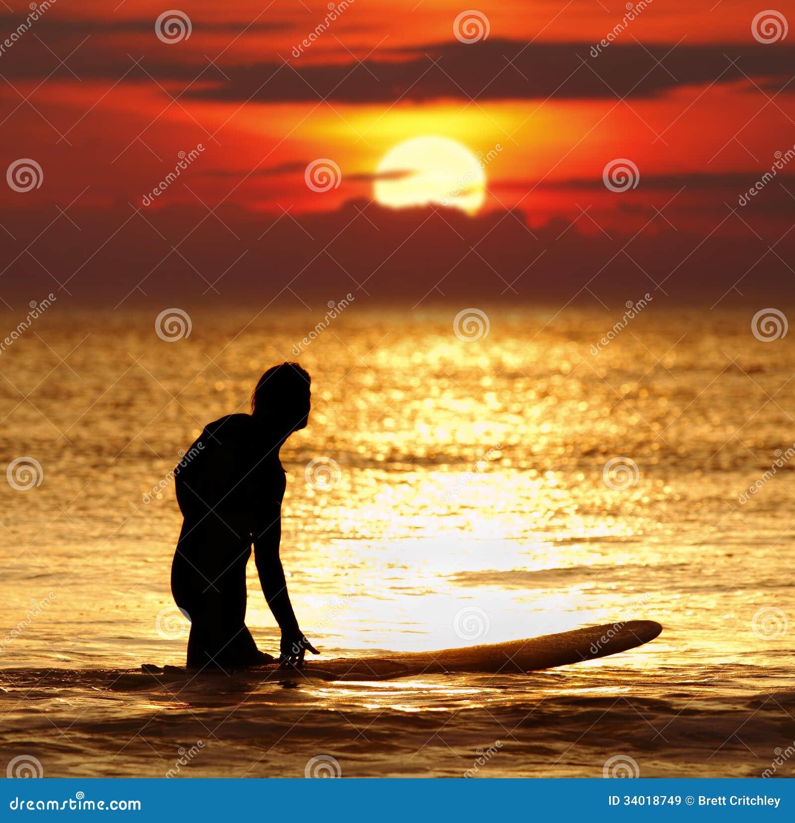 Терпение - серфер захода солнца