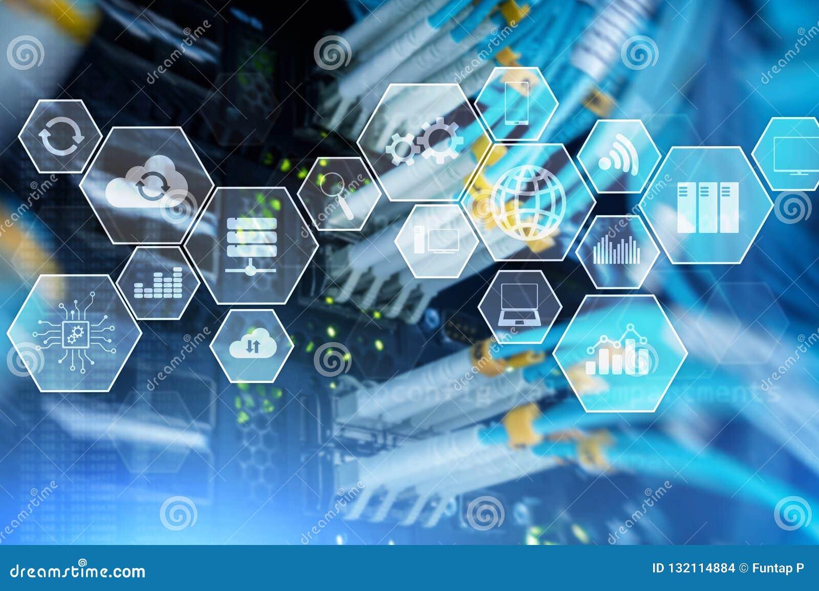 Технология и связь облака инфраструктуры технологии Комната сервера