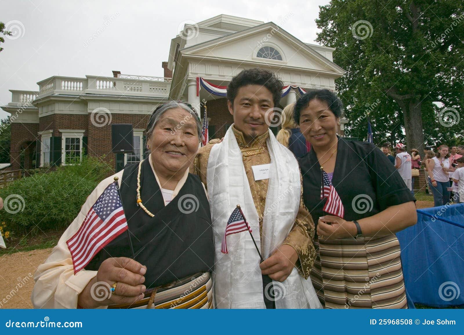Тибетские иммигрант и семья