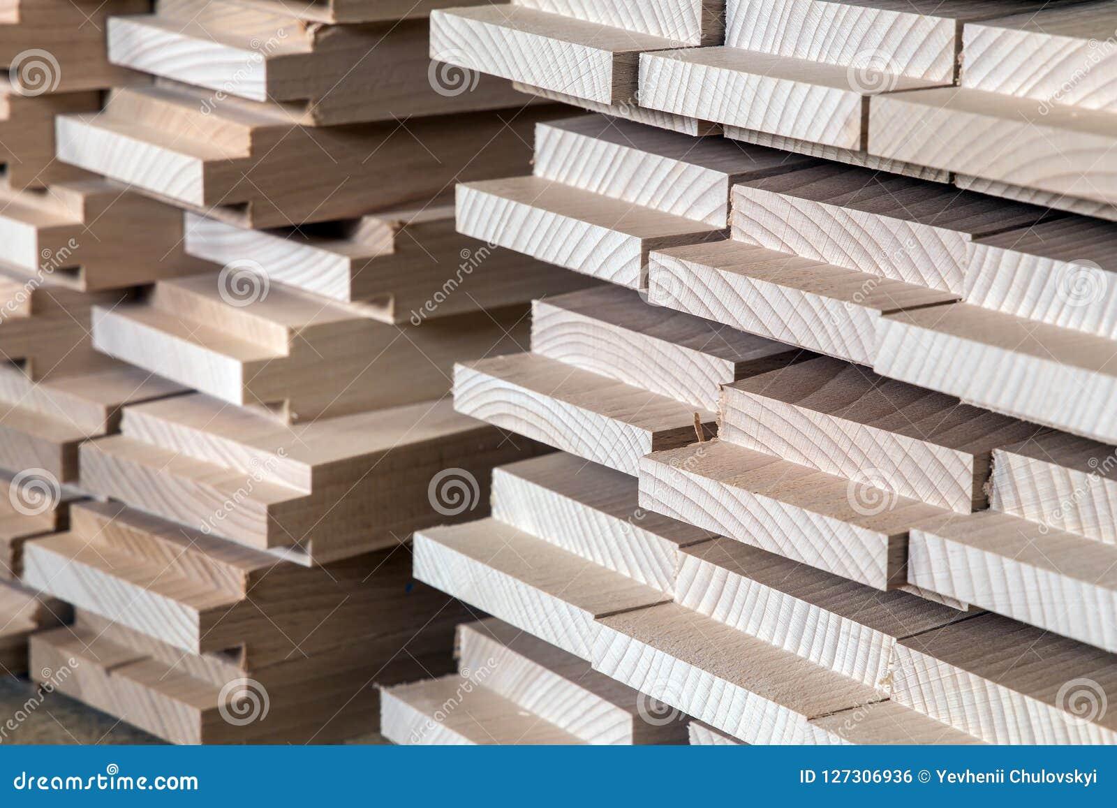 Тимберс, деревянный строительный материал для предпосылки и текстура детализирует деревянный шип продукции изделия из древесины с