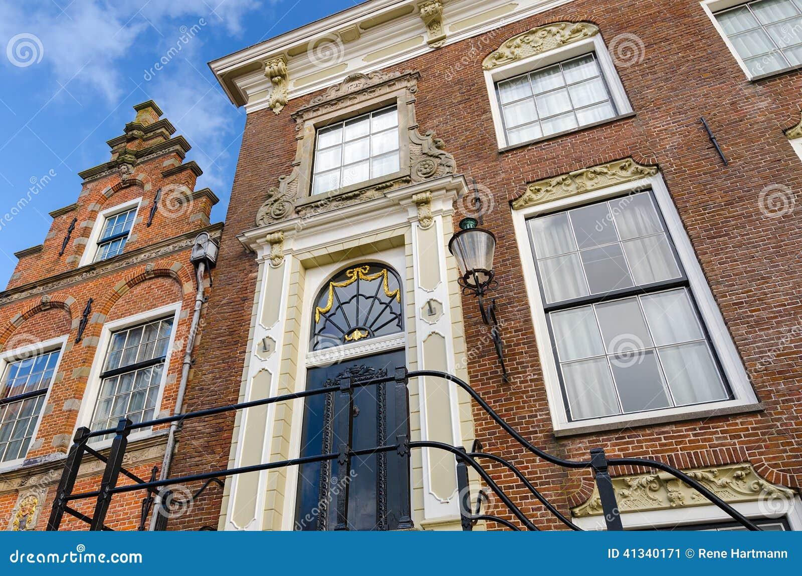 Типичные старые голландские дома
