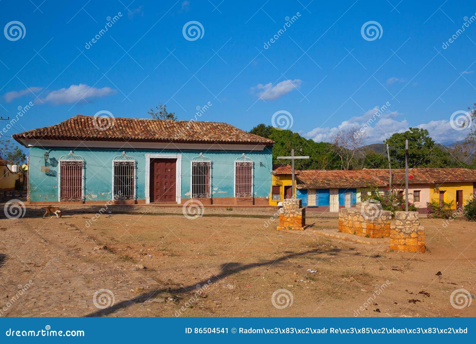 Типичный старый колониальный квадрат в Тринидаде, Кубе