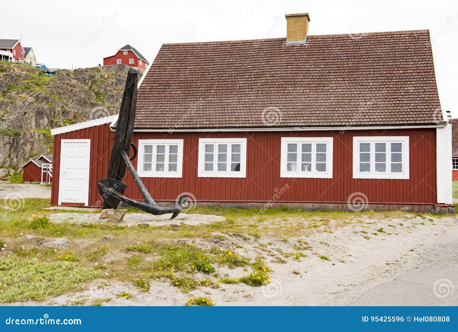 Типичный Greenlandic деревянный дом