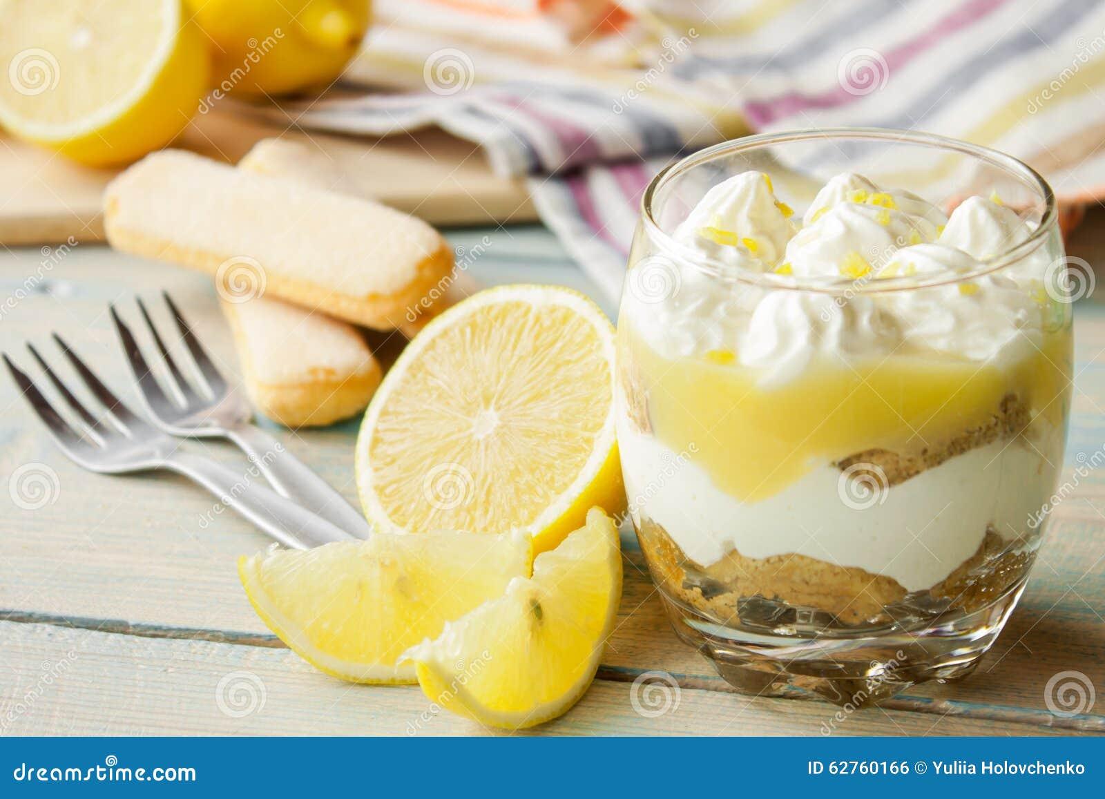 Тирамису лимона в стекле