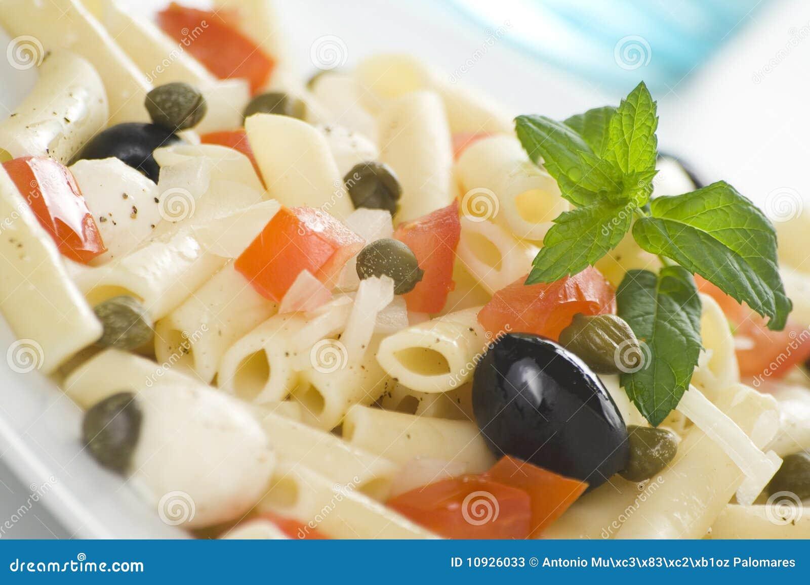 томаты салата оливок mozzarella макарон каперсов