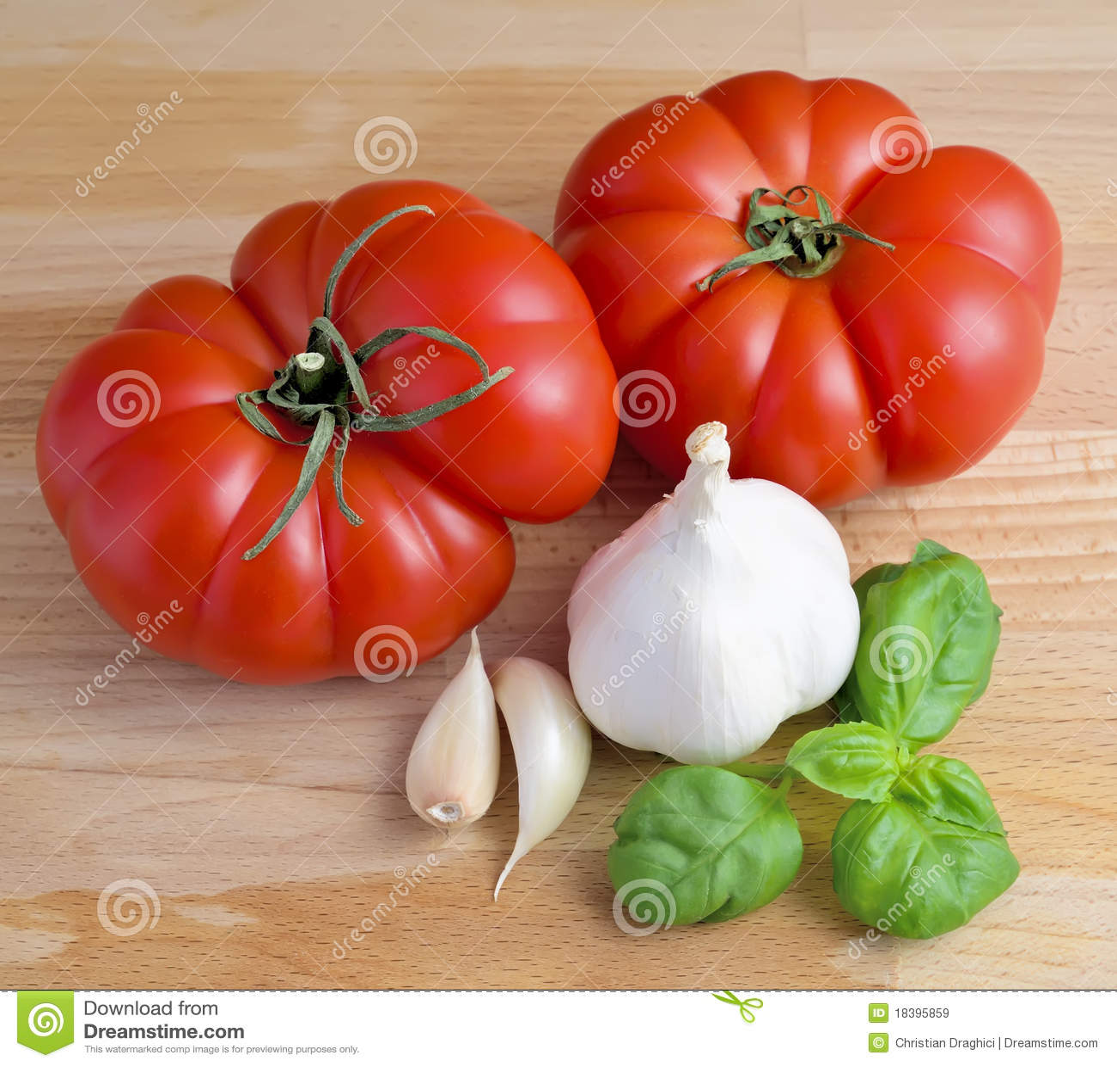 томаты чеснока базилика