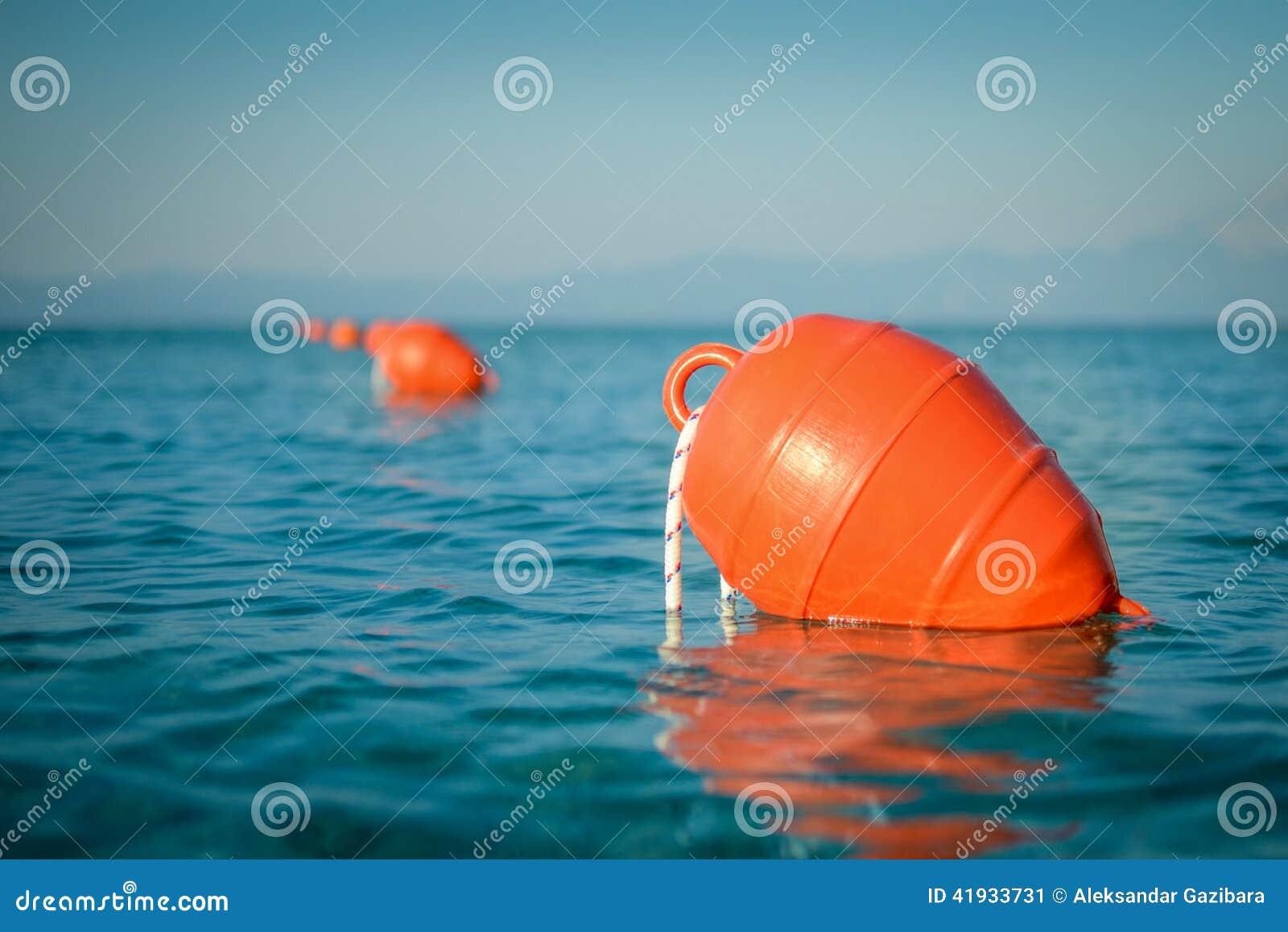 Томбуй в море