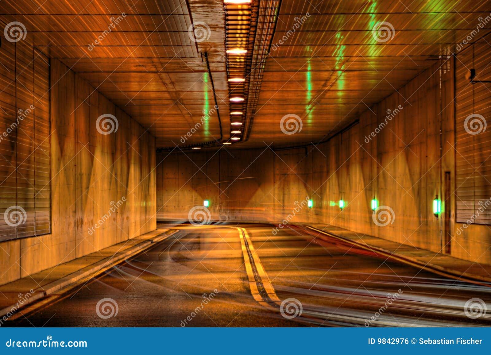тоннель ночи хайвея