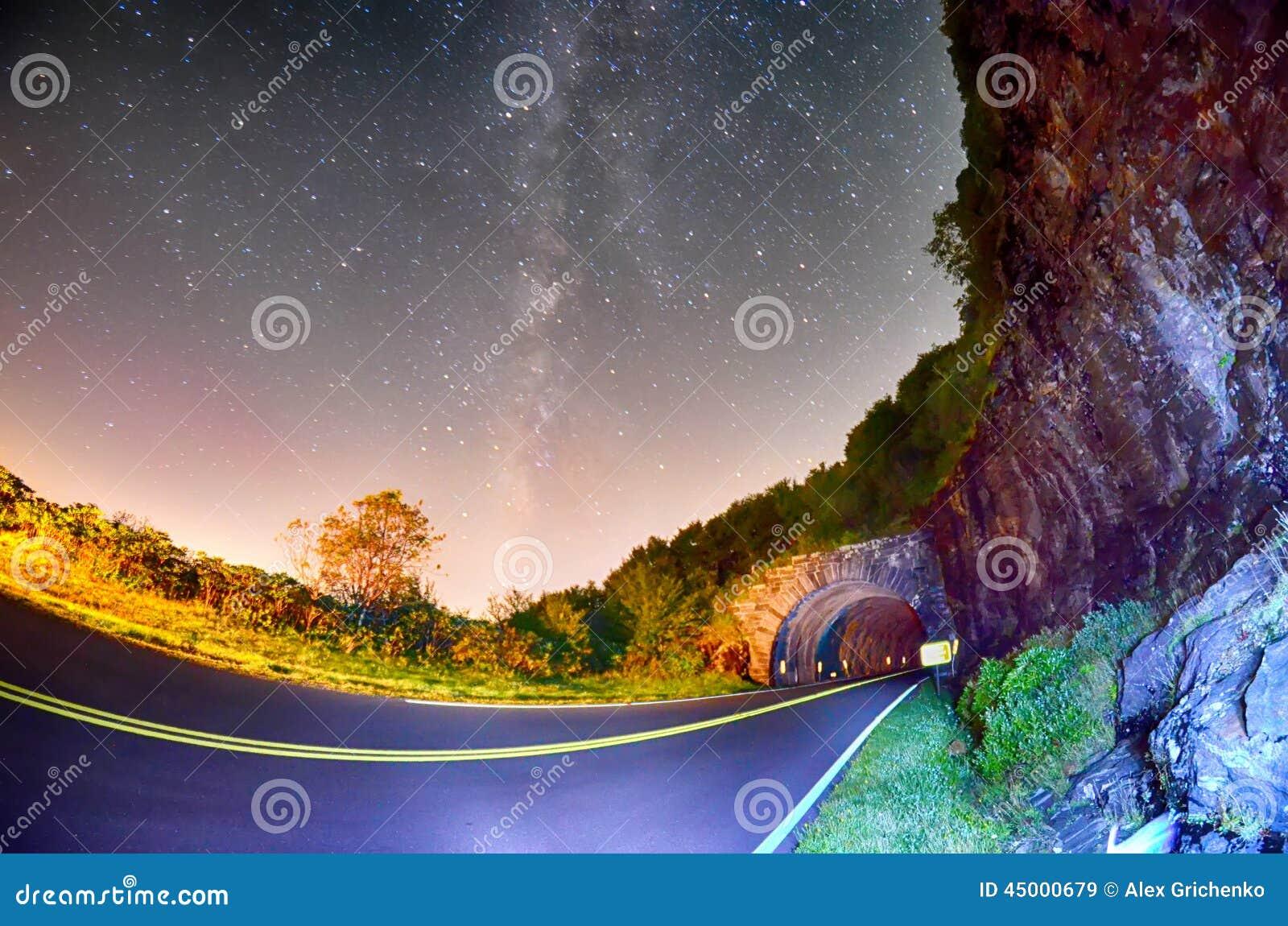 Тоннель башенкы, на голубом бульваре Риджа в северном c