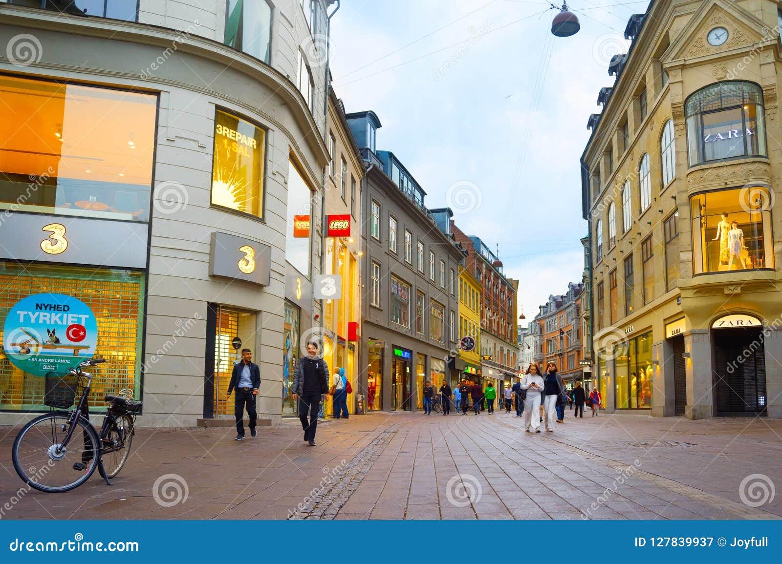 Торговая улица Копенгаген Stroget людей