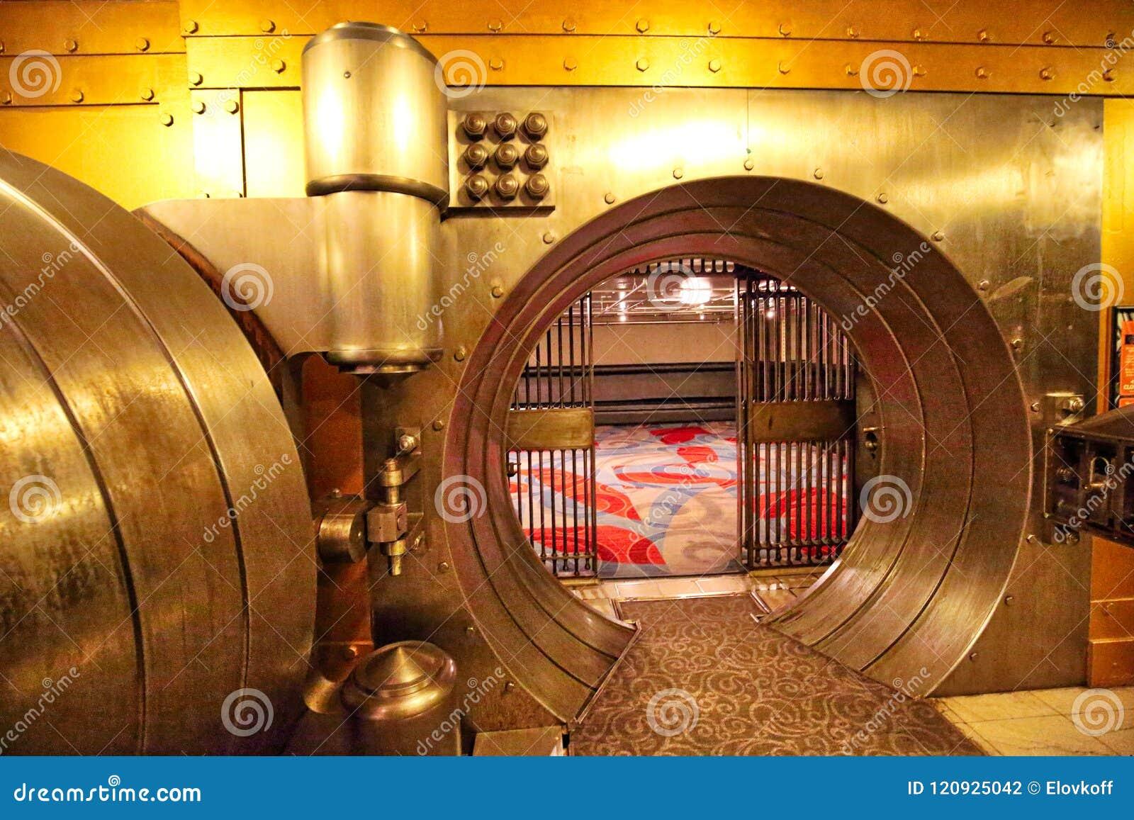 Торонто, Канада 6-ое июня 2017: Свод, известное exhi сейфа банка