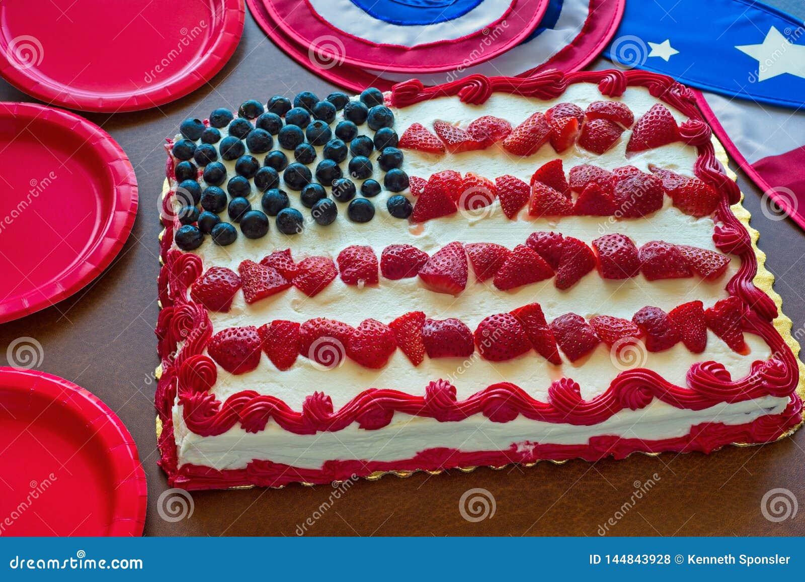 Торт и оформление американского флага