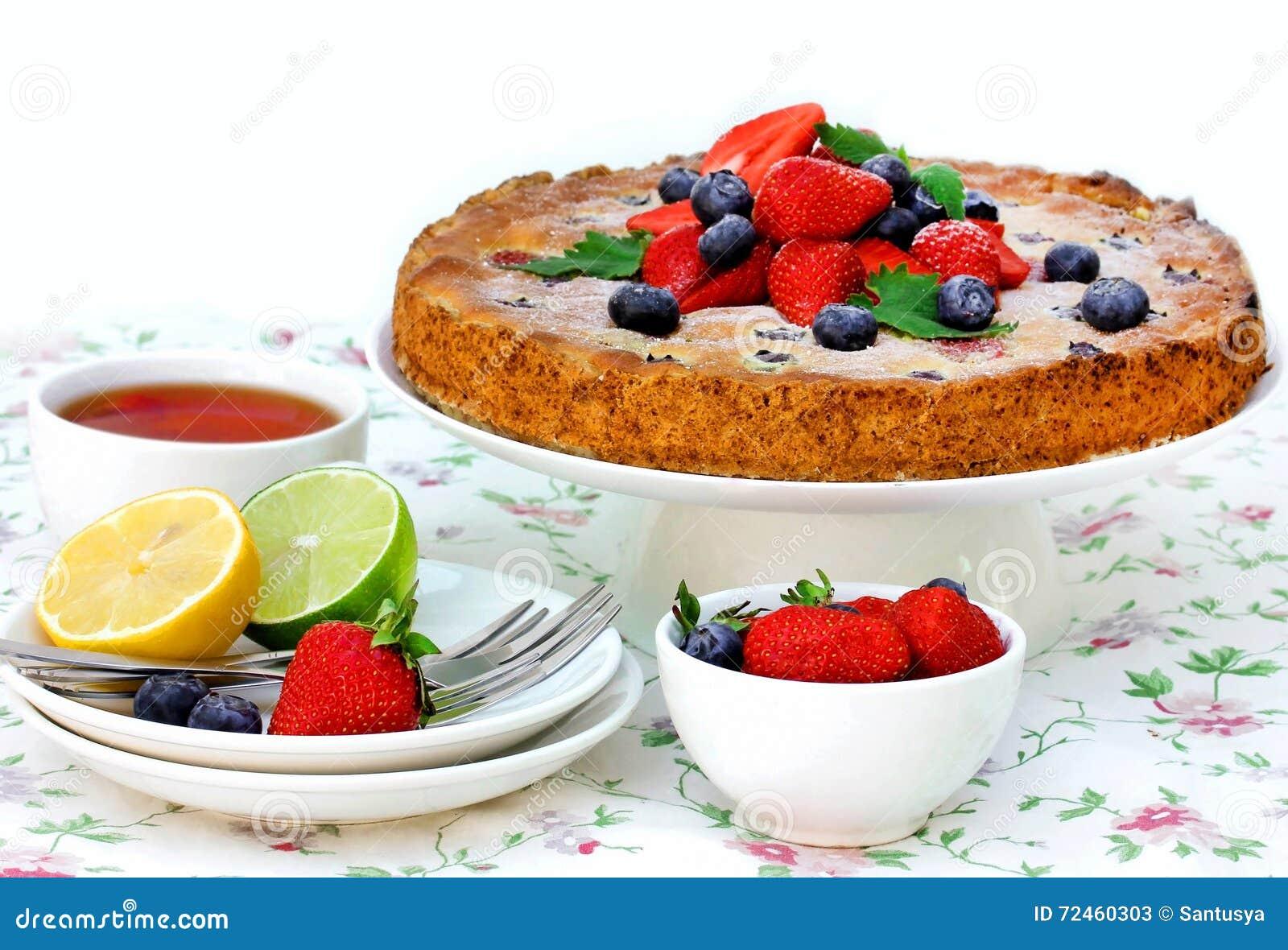 Торт плодоовощ ягоды лета, праздничное чаепитие