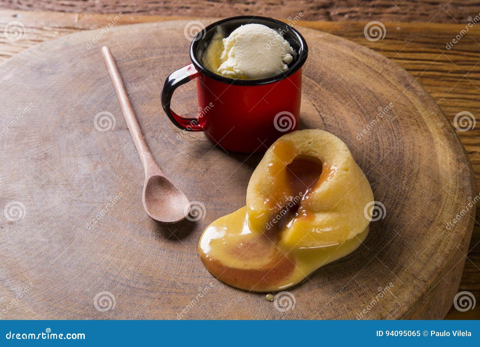 Торт с свежей, мороженое Guava