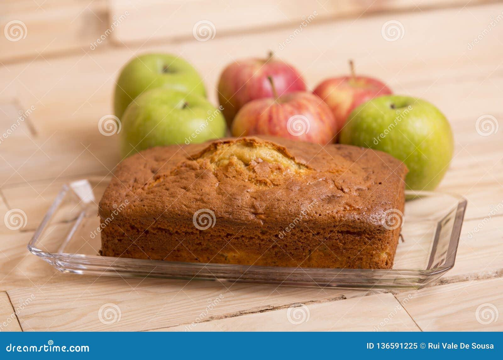 торт яблока покрыл ломтики студня