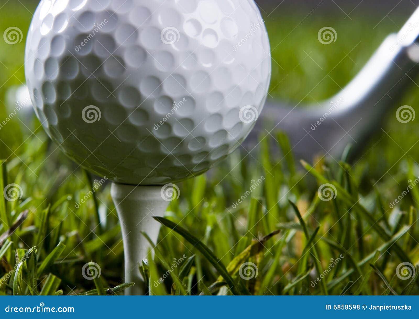 трава гольфа водителя шарика