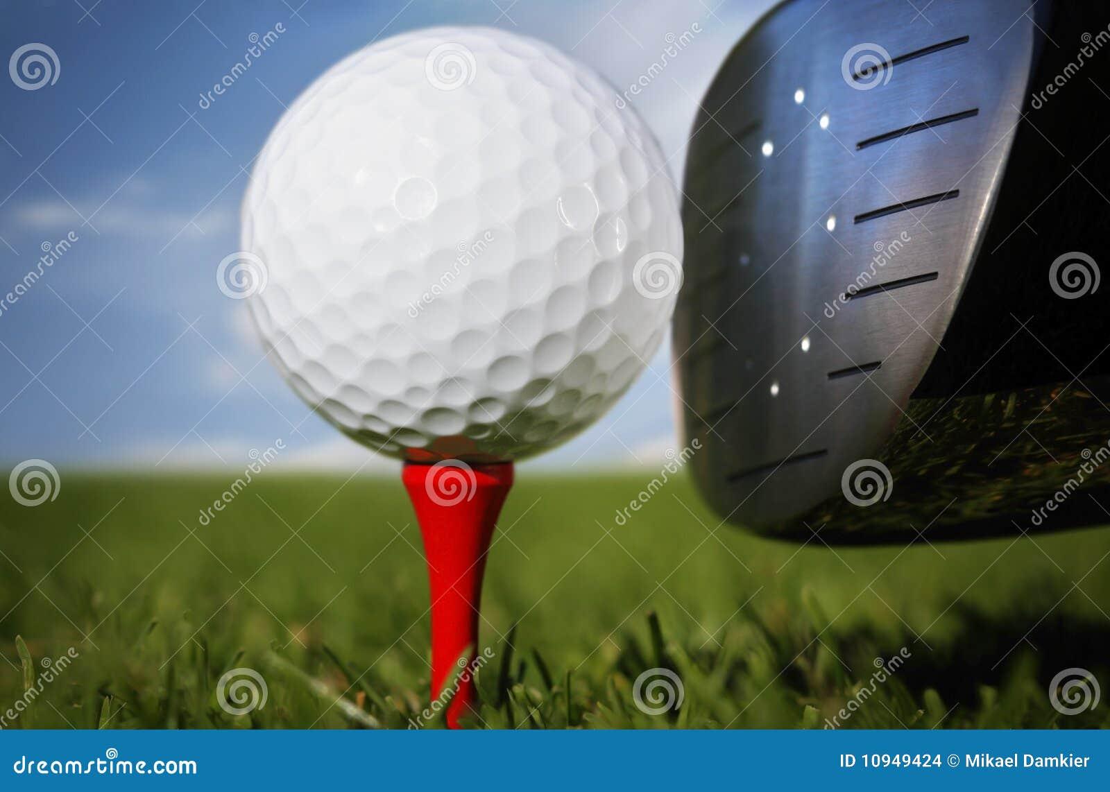 трава гольфа клуба шарика