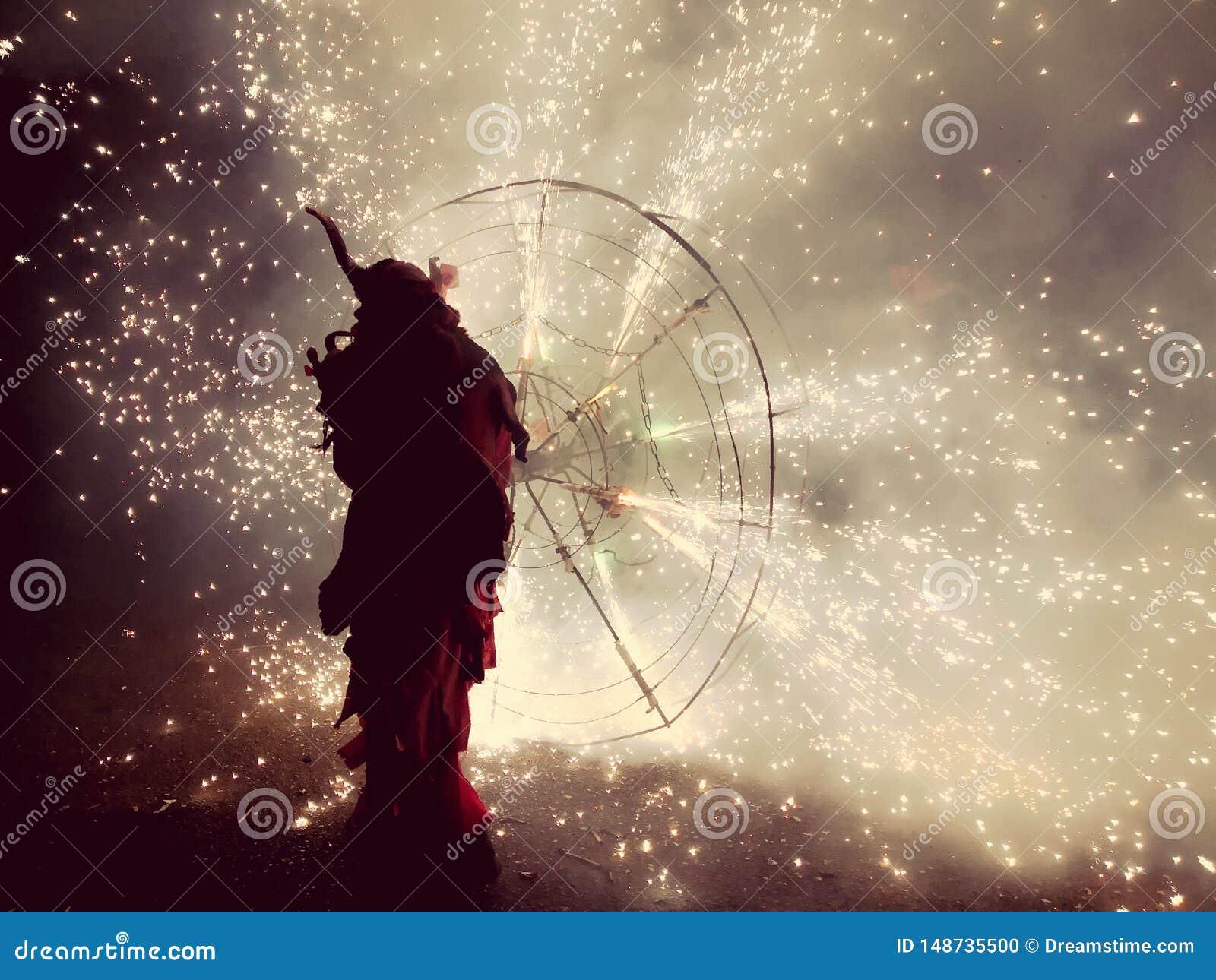 Традиционная церемония с огнем в Мальорка