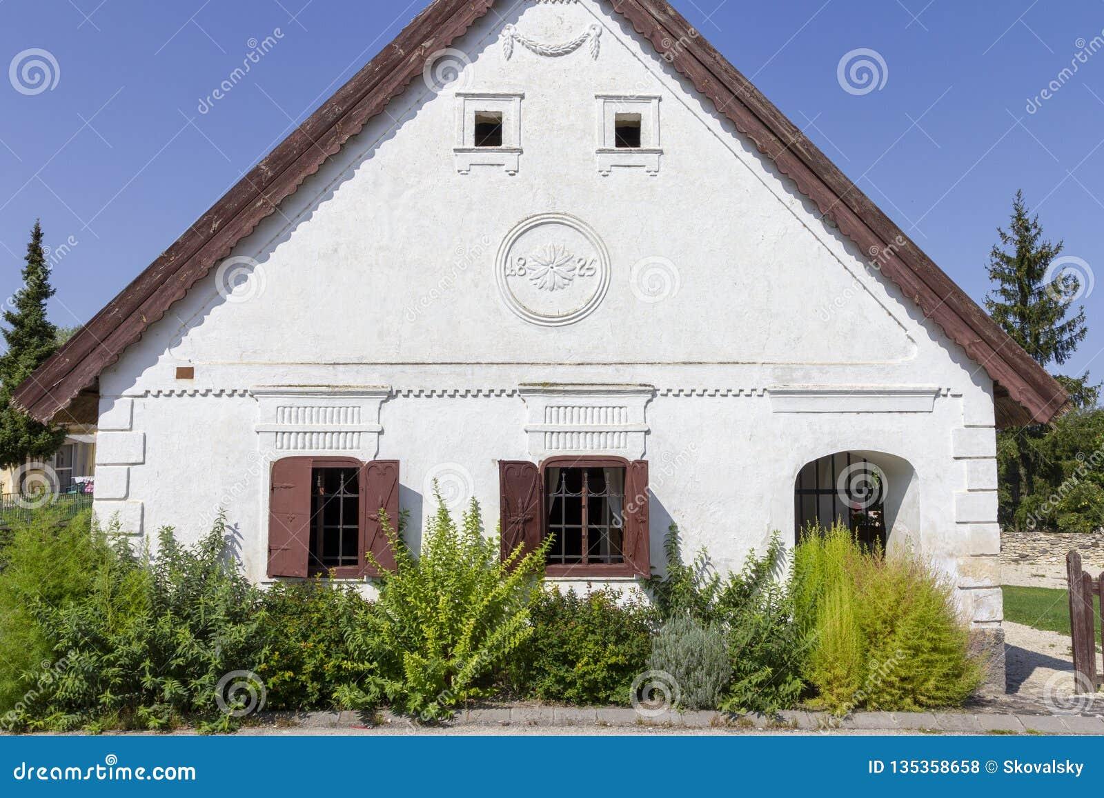 Венгрия дом стоит ли покупать недвижимость в дубае
