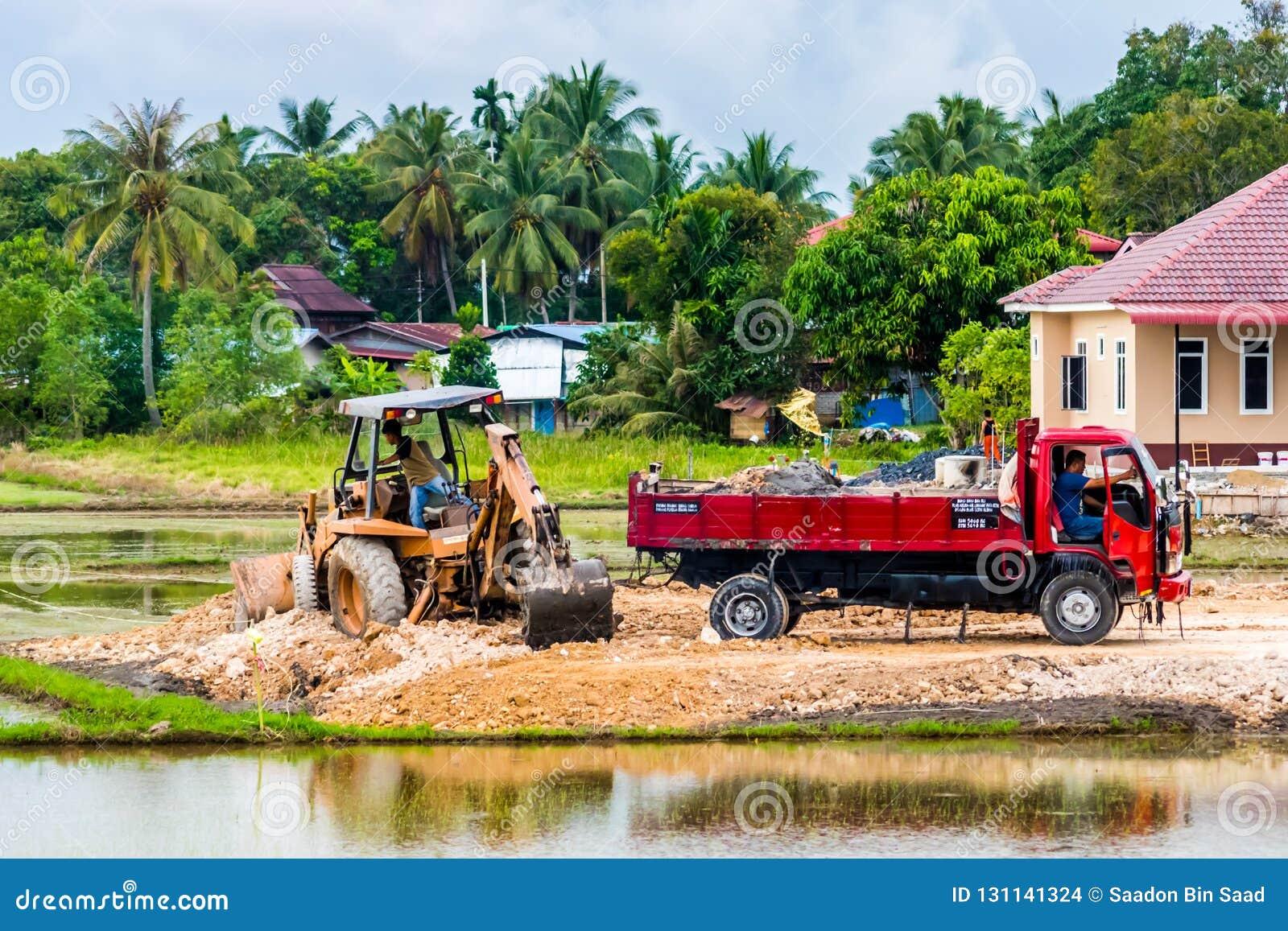 Трактор Earthwork и конструкции