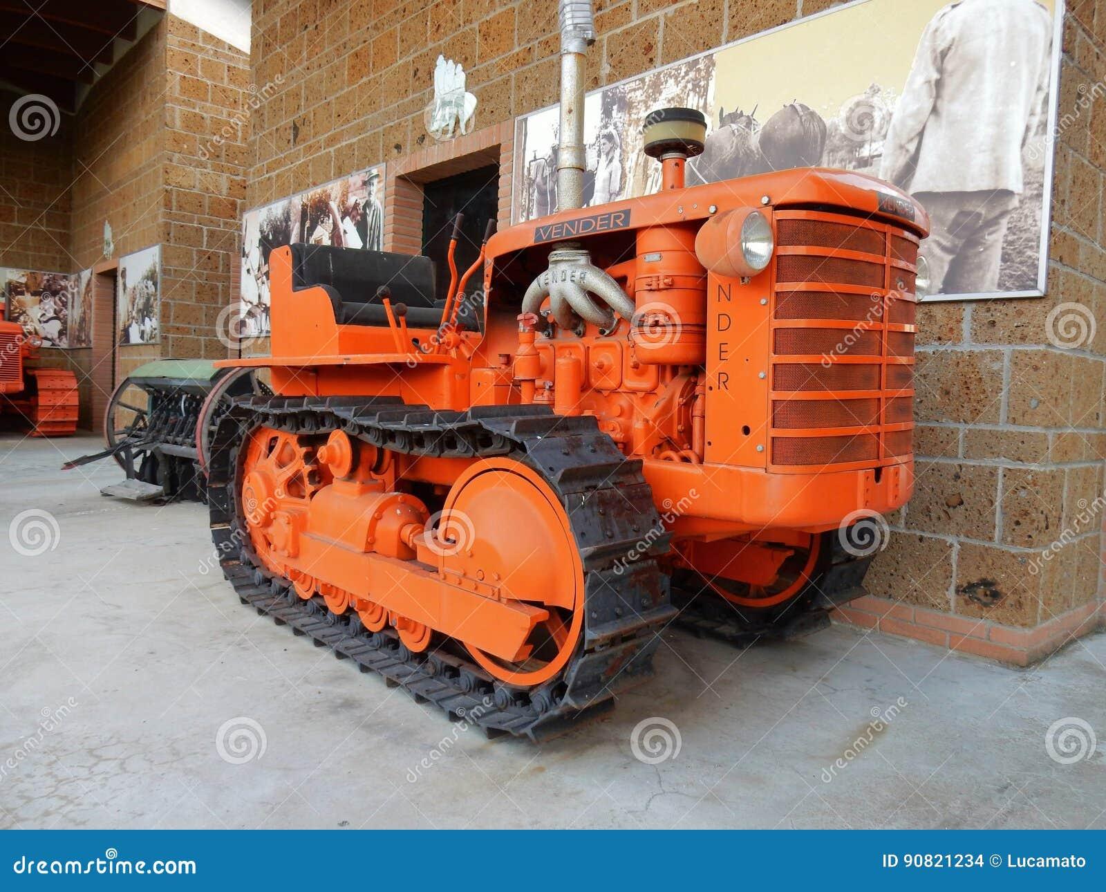 Трактор Vender