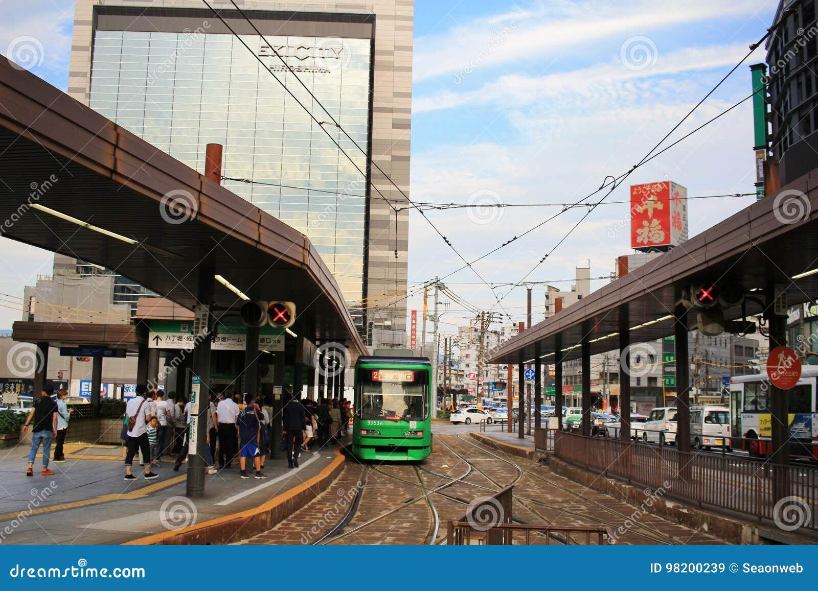 Download трамвайная остановка на станции Хиросимы Редакционное Стоковое Изображение - изображение насчитывающей технология, корабль: 98200239
