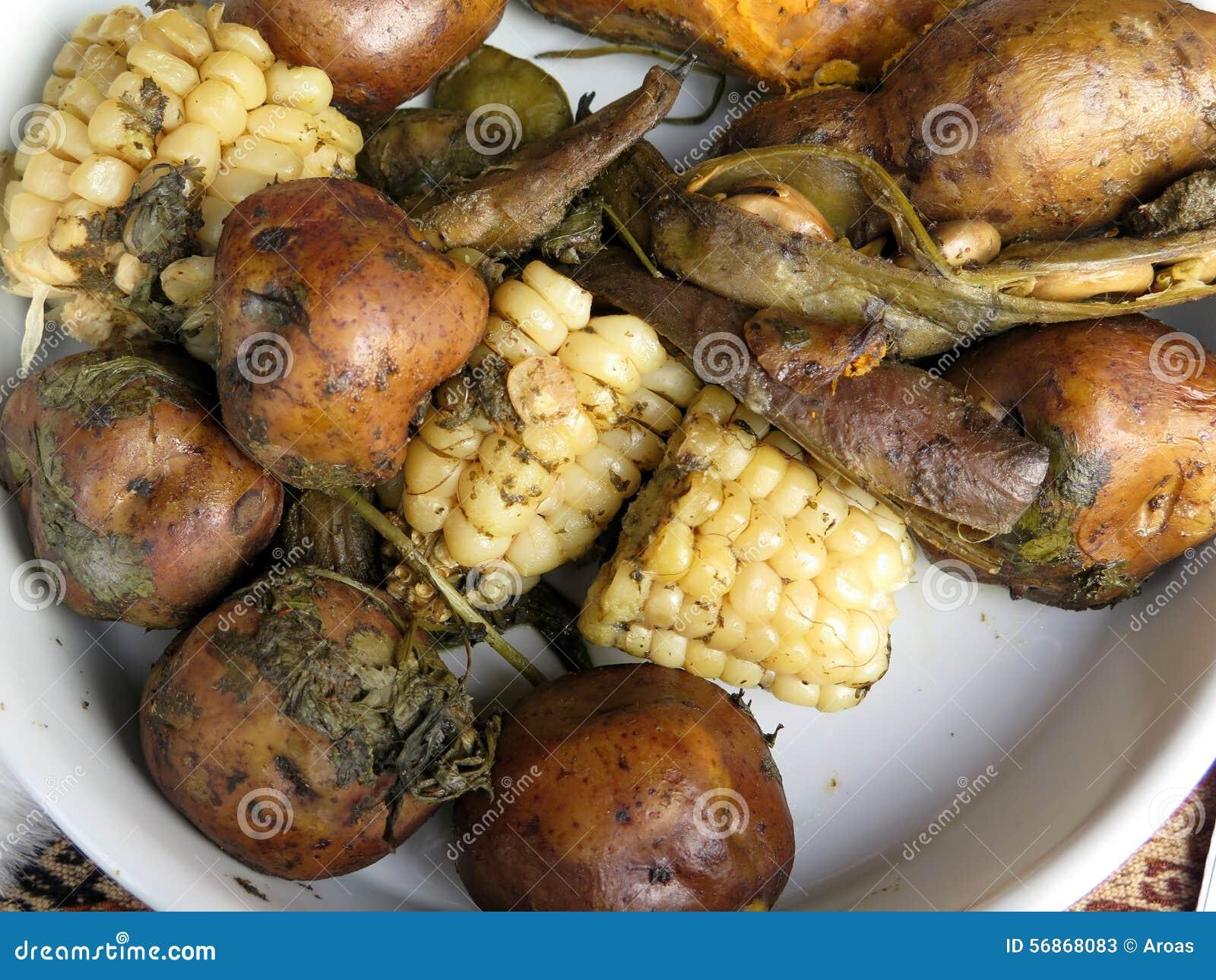 Традиционная перуанская еда вызвала Pachamanca