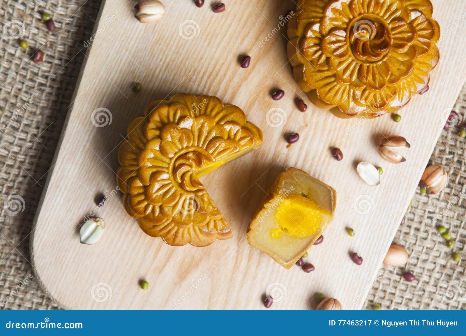 Традиционные торты луны