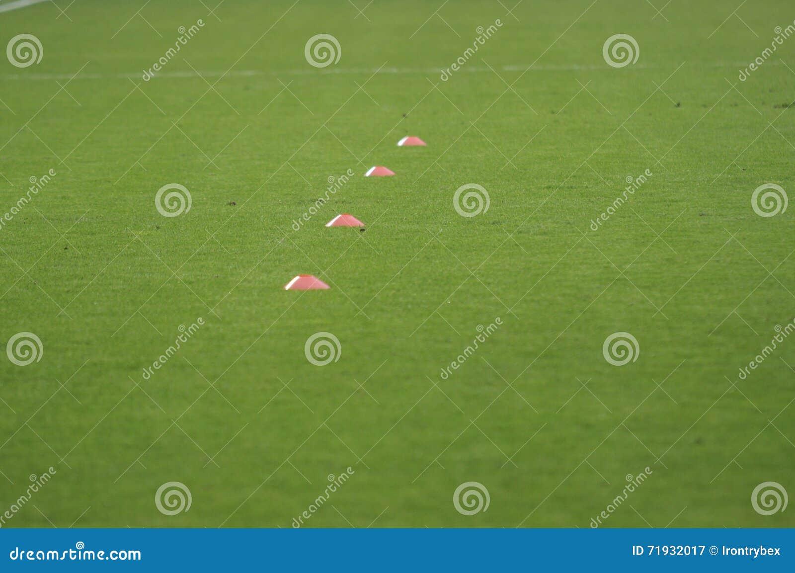 Тренажер футбольного поля футбола