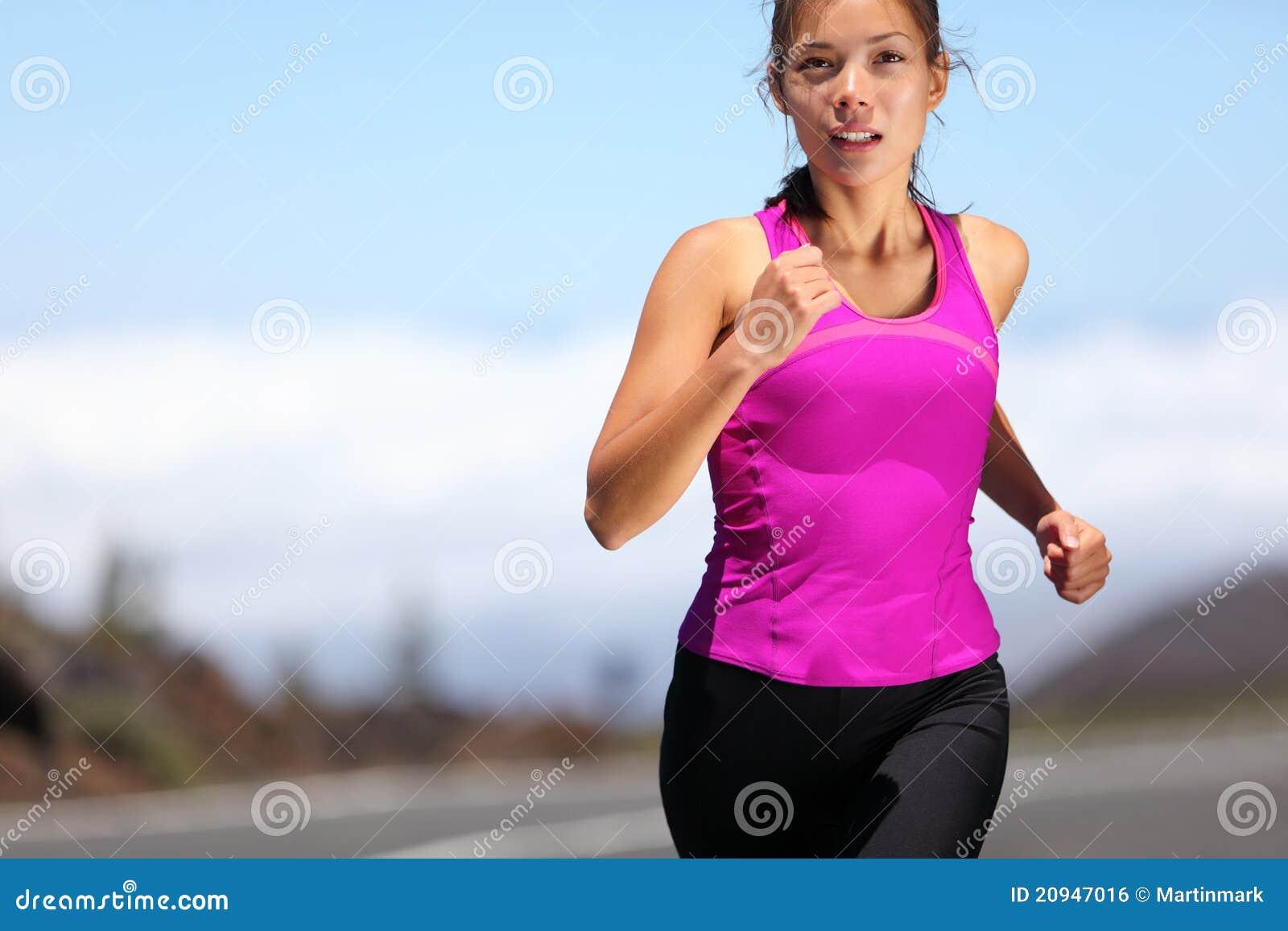 Фото девушек во время тренировки