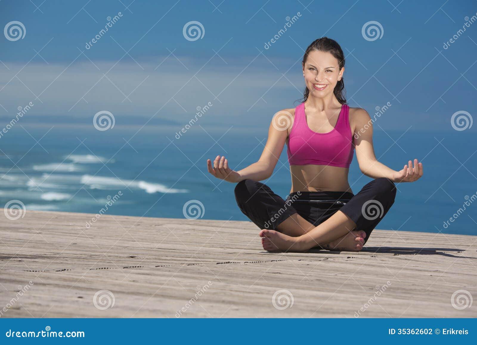 Тренировки йоги