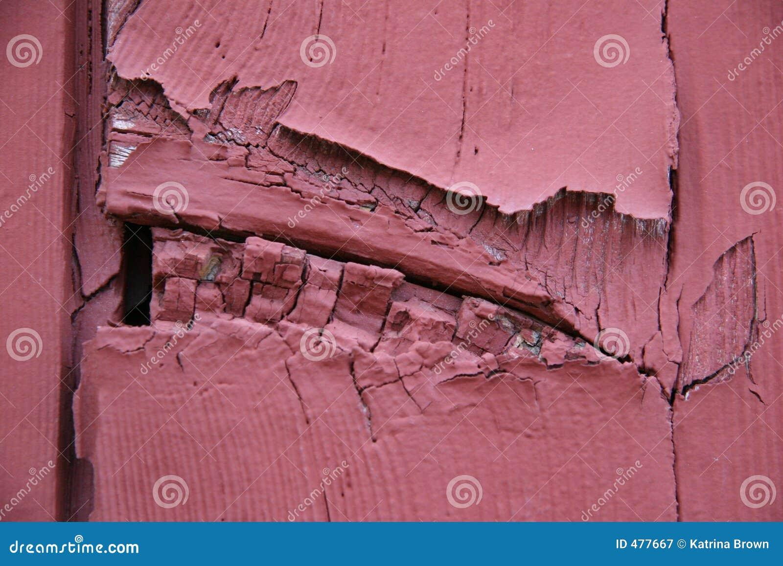 треснуто слезающ древесину красного цвета планок