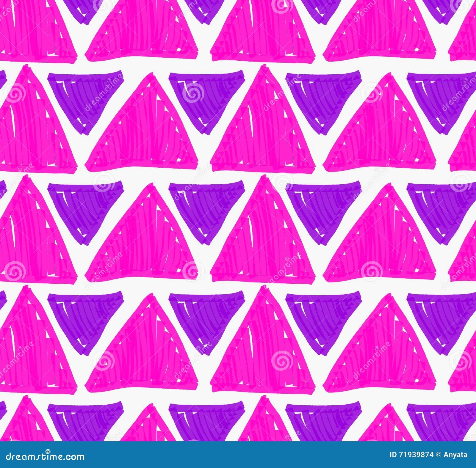 Треугольники нарисованные отметкой фиолетовые большие и малые