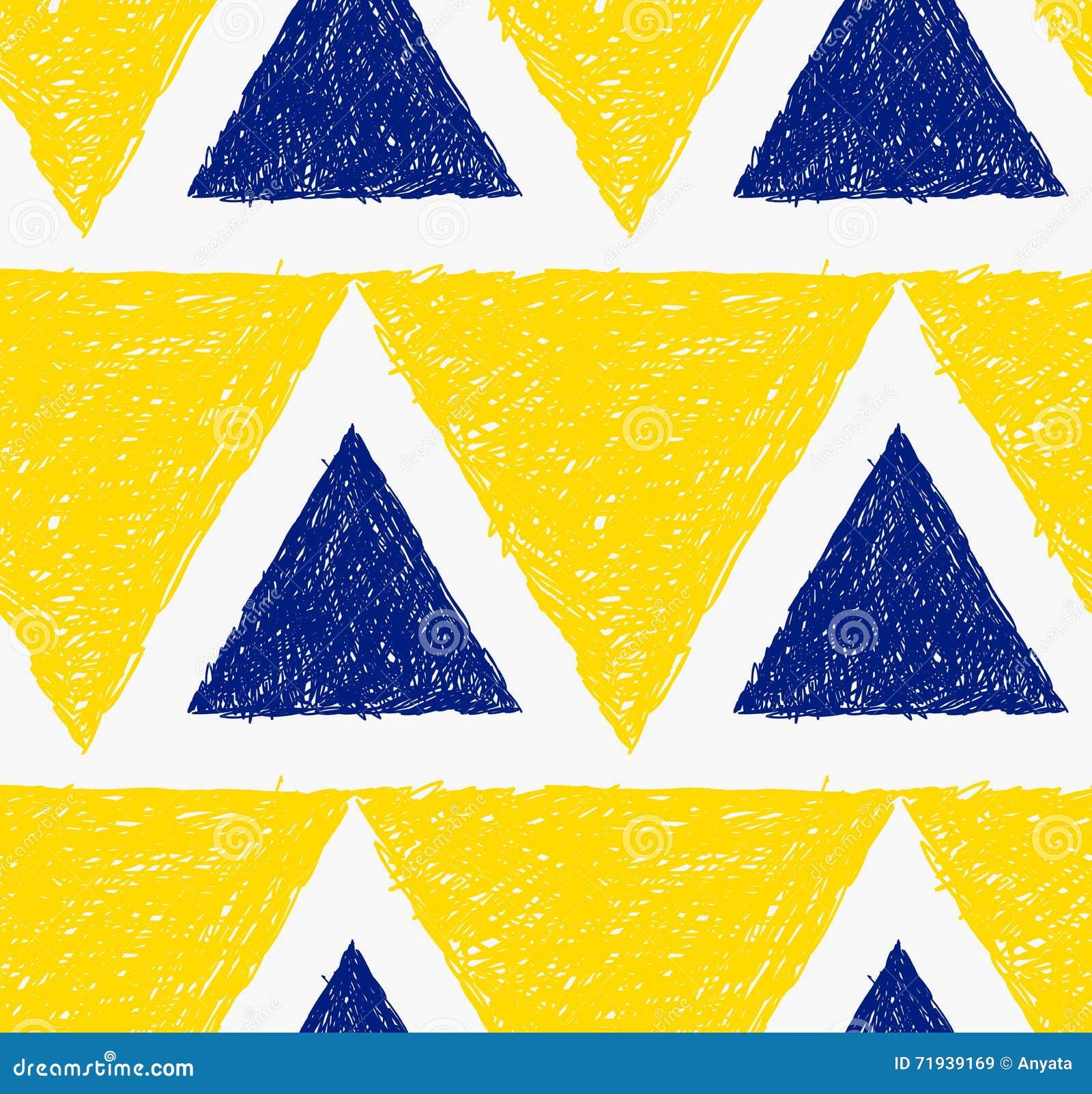 Треугольники насиженные карандашем желтые и голубые